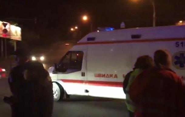 Неизвестный открыл огонь изтравматического пистолета вКиеве: трое ранены