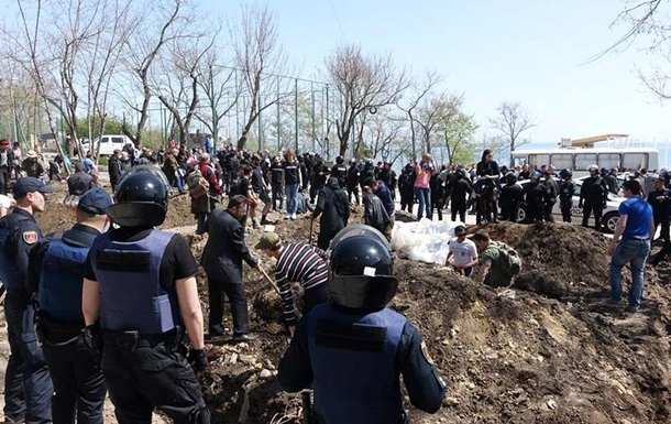 Нафиг с берега: нанезаконной стройке вОтраде подрались активисты