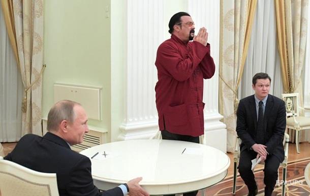 Стивену Сигалу заборонили в їзд в Україну