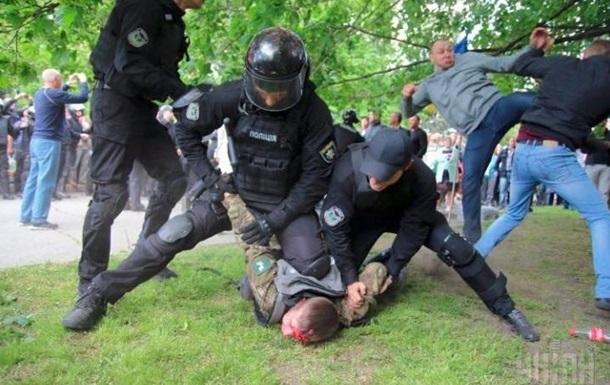 Драка в Днепре: отстранены трое полицейских
