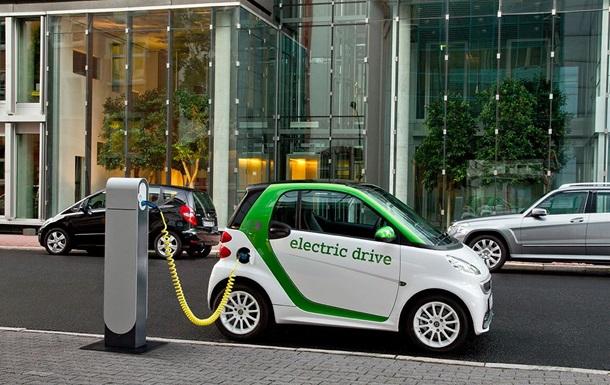 Bloomberg: До 2025 року електрокари будуть дешевшими за бензин