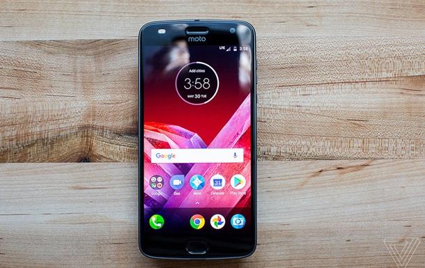 Lenovo представила смартфон Moto Z2 Play