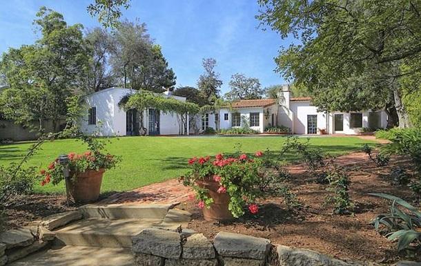 В США продали особняк, в котором умерла Мэрилин Монро