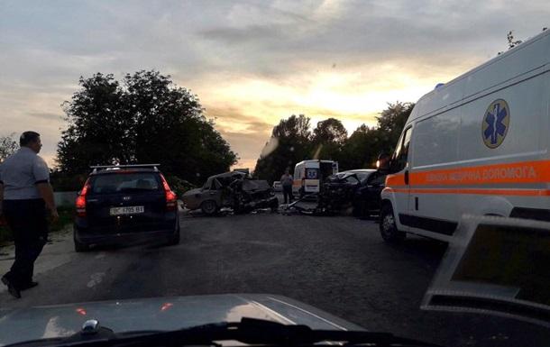 ДТП воЛьвовской области: двое погибших, пятеро раненых