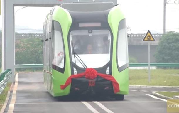 В Китае показали беспилотный трамвай