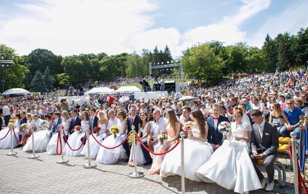 В Киеве отгремела самая  Большая Свадьба  на 40 000 гостей