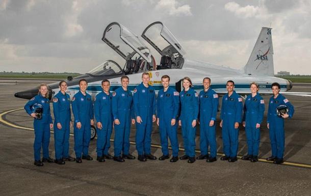 NASA выбрало 12 членов первой экспедиции наМарс