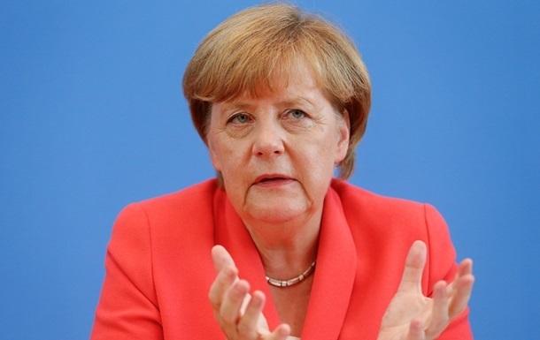 Меркель раскритиковала  стену Трампа