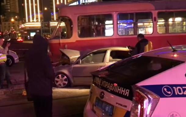 Нардеп Барна попал в ДТП с участием трамвая