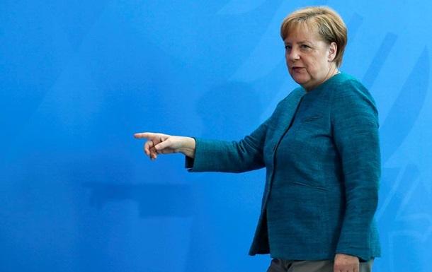 Меркель раскритиковала новые санкции против России