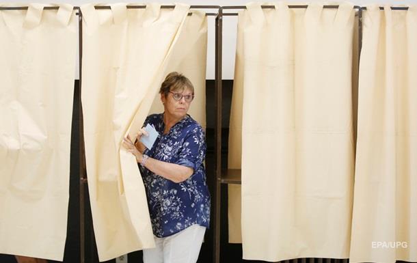 Движение Макрона получит 395-425 мест впарламенте Франции