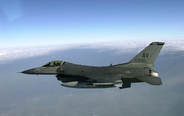 СМИ: К самолету министра РФ приблизился F-16