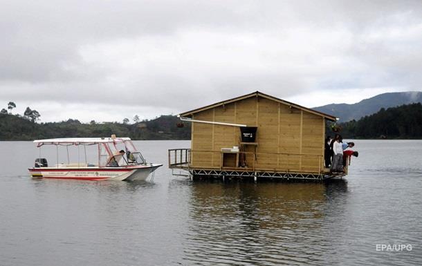 Власти Колумбии говорили о погибших при крушении лодки