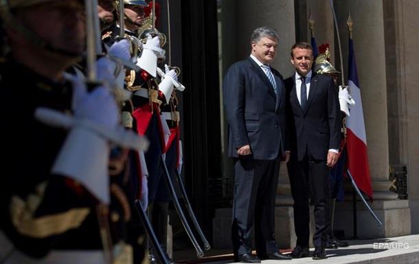 Порошенко і Макрон домовилися про консультації Нормандського формату