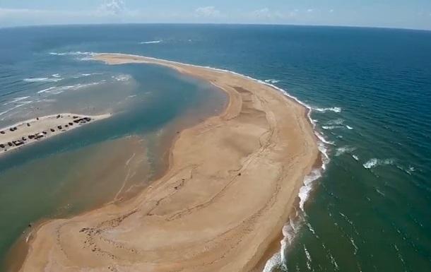 На видео сняли остров, который всплыл , который стал хитом