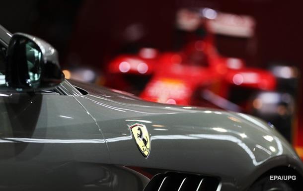 СМИ сообщили, когда появится кроссовер Ferrari