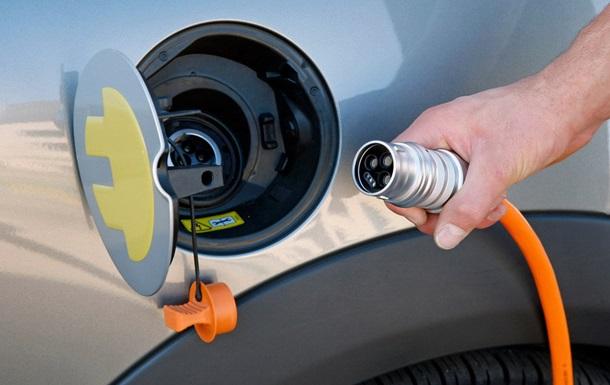 Названы сроки массового распространения электромобилей