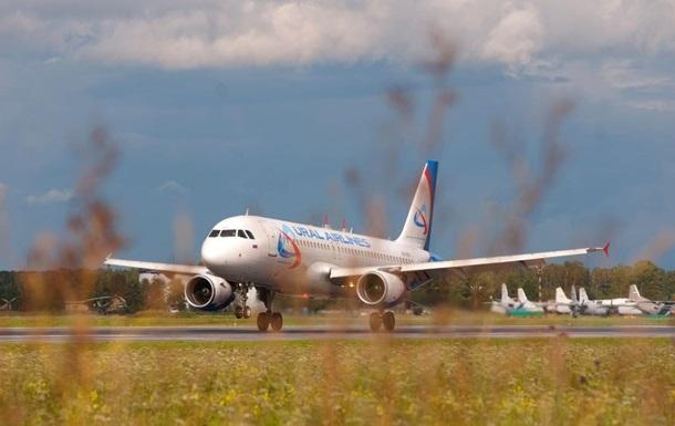 В Крыму стая птиц атаковала пассажирский самолет