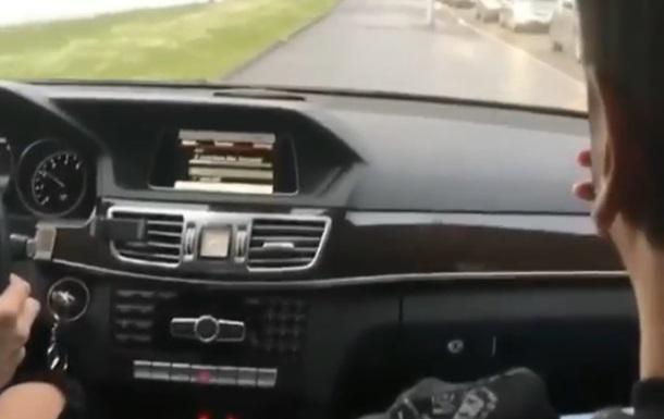 В РФ  мажоры  катались на авто по пешеходной зоне