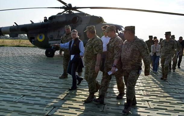 Волкер: на Донбассе война, ее необходимо завершить