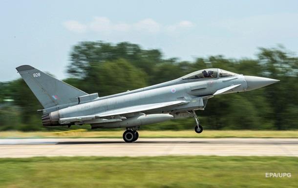 Истребитель НАТО поднялся в воздух из-за Ту-22 над Черным морем