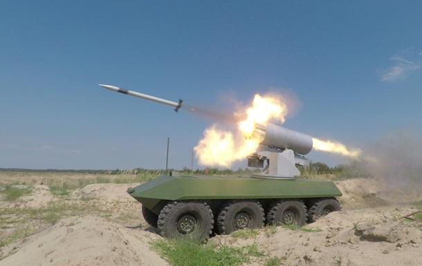 Порошенко після випробувань військової техніки: Українська армія стає сильнішою зкожним днем