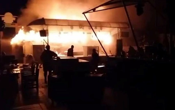 В Одессе загорелся ночной клуб Пляжник
