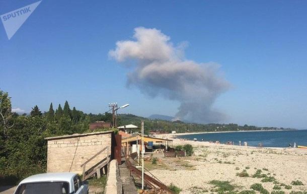 В Абхазии взорвались склады боеприпасов