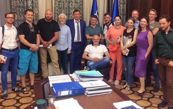 О подручных и подножных писаках киевского режима