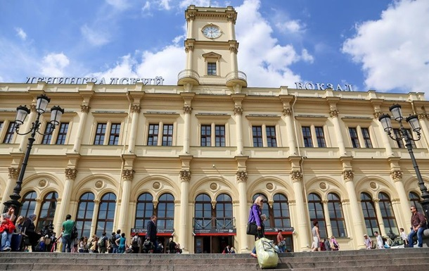 НаЛенинградском вокзале в столице России появились указатели накитайском