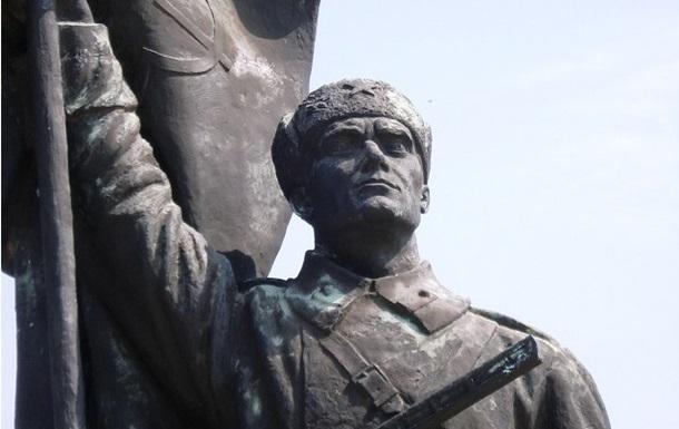 Польша не намерена заботиться о памятниках Красной армии