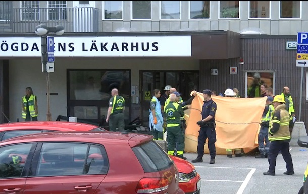 В Швеции авто въехало в толпу, есть пострадавшие