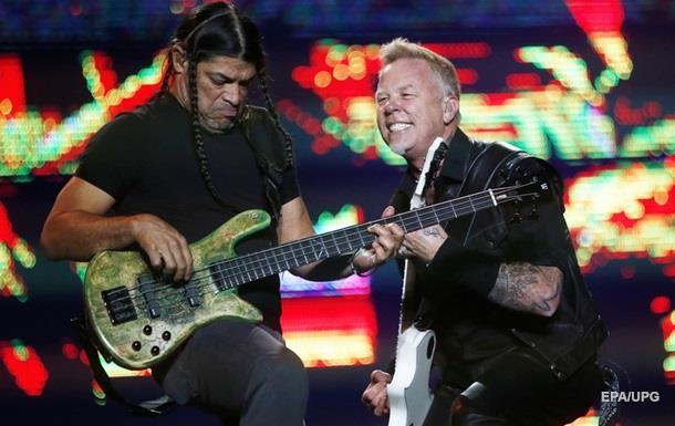 Metallica спела песню Рианны в эфире шоу
