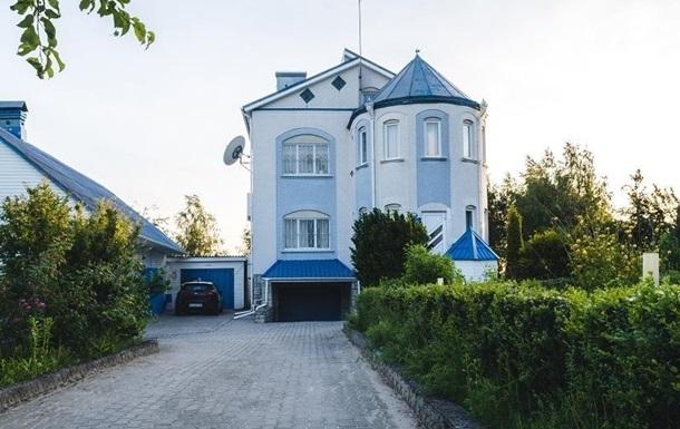 В Полтавском медцентре удерживали десятки людей