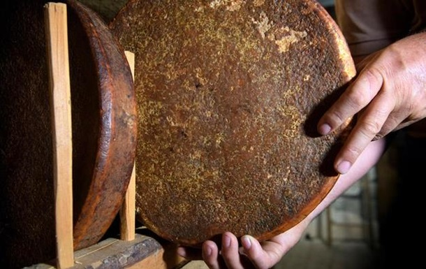 В Швейцарии нашли 142-летнюю головку сыра