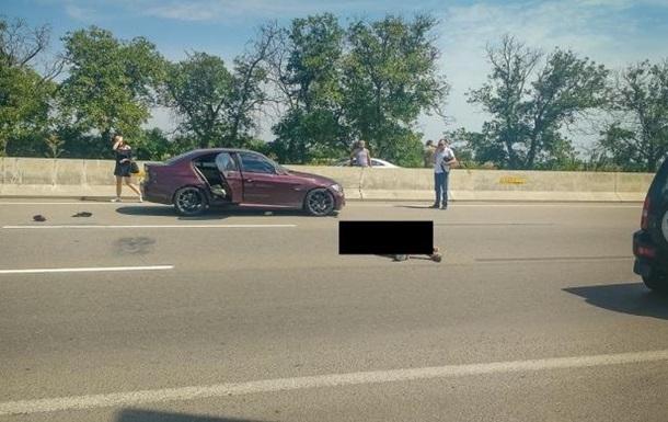 ВОдессе напешеходном переходе насмерть сбили мужчину (осторожно, фото!)