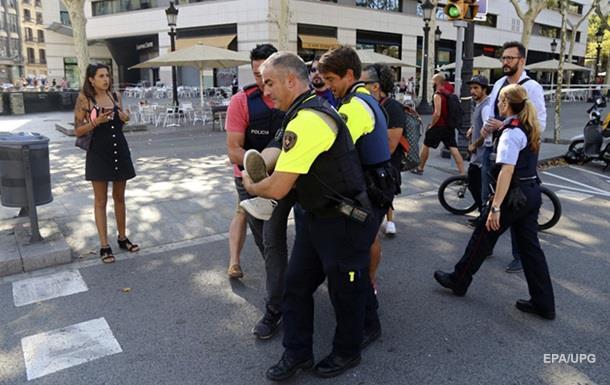 Теракт уБарселоні: автомобіль врізався унатовп