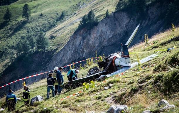 ВШвейцарии упал легкомоторный самолет