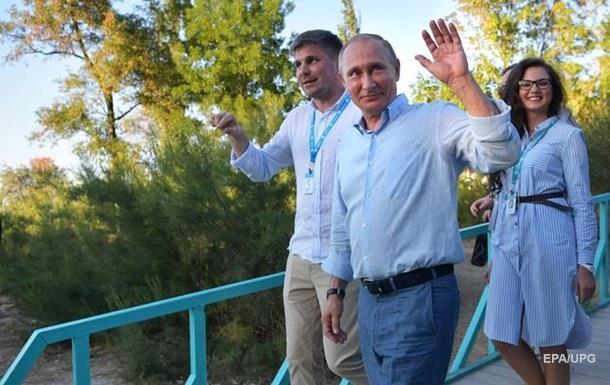 Путин выступил сречью вКрыму иприсвоил историю Koktebel Jazz Festival