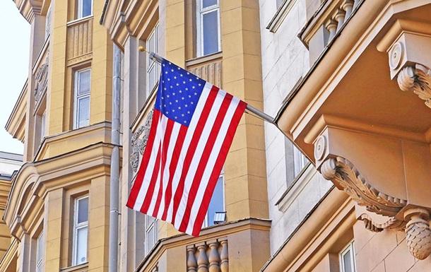 Посольство США уМоскві «штурмують» росіяни, щоб отримати візу, є подробиці