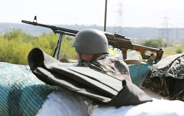 Штаб: Под Мариуполем из-за обстрела погиб боец