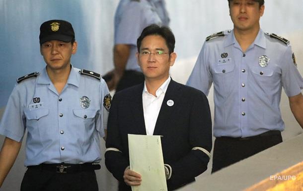 Голову Samsung засудили до5 років в'язниці захабар