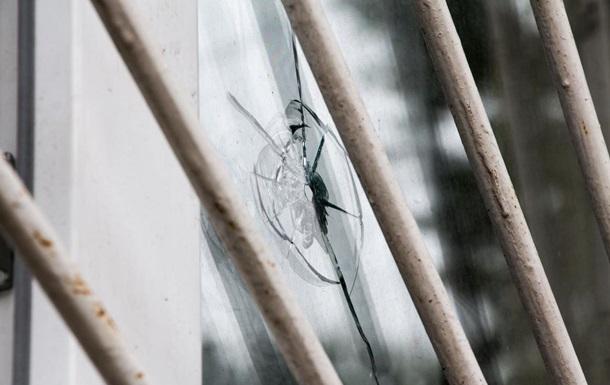 ВДнепре неизвестные обстреляли детскую клинику, есть повреждения