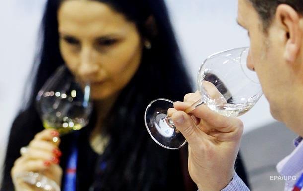 Алкоголь впливає сильніше на чоловічий мозок - вчені