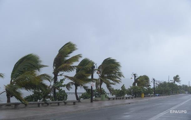 Во Флориде закроют две АЭС из-за урагана Ирма