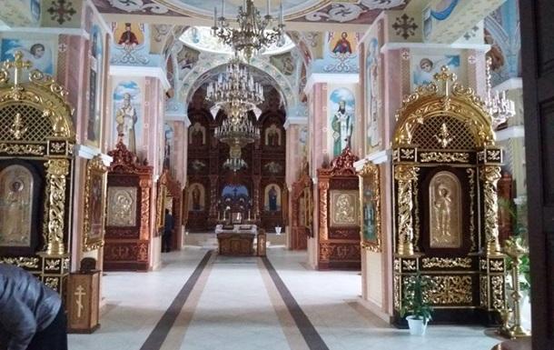 В Харьковской области из храма украли золото и серебро