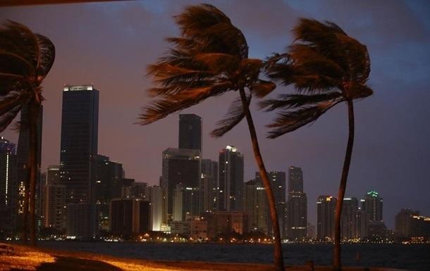Ураган Ирма побил два мировых рекорда