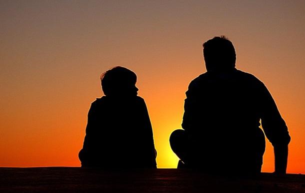Ученые поведали, как позже отцовство может сказаться надетях