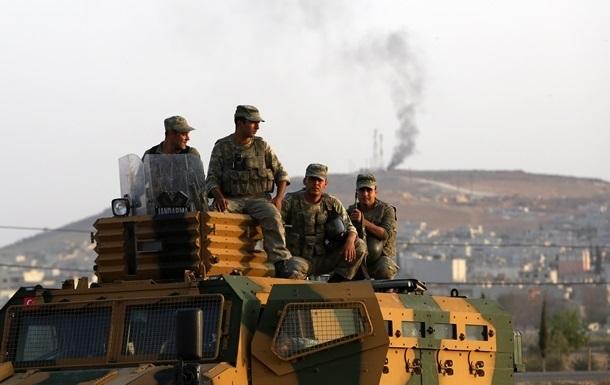 Турция выдвинула еще 80 танков к границе с Сирией