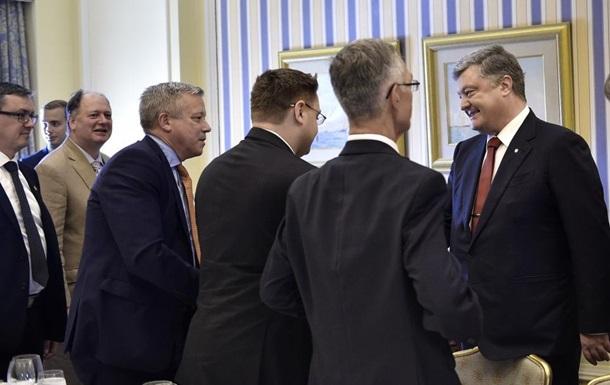 Порошенко запросив канадських інвесторів в Україну